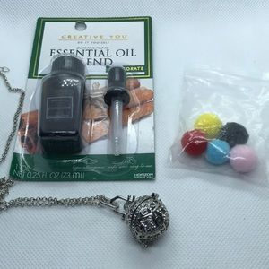 Jewelry - Essential Oil Diffusing Necklace.